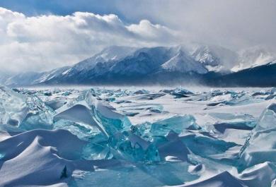 Il Lago Bajkal ghiacciato, uno spettacolo della natura