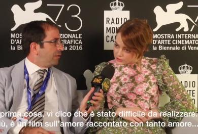 Emma Stone: sì, mi sono innamorata... di La La Land!