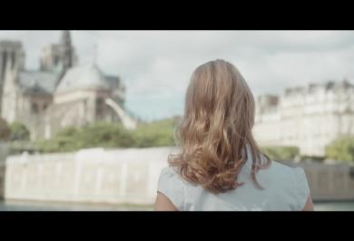 "Sarah McKenzie: guarda il video di ""Paris In The Rain"" in anteprima"