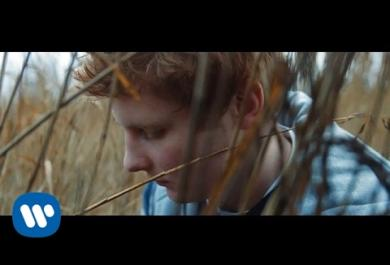 "Ed Sheeran pubblica il video di ""Castle On The Hill"""