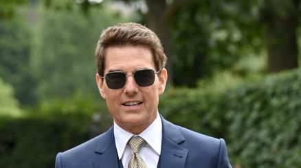 Tom Cruise si lancia nel vuoto: l'incredibile video!