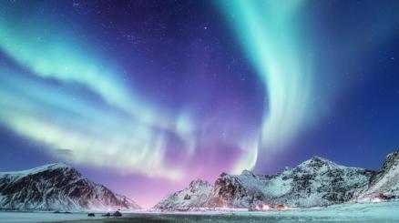 L'aurora boreale vista dallo Spazio incanta il mondo intero