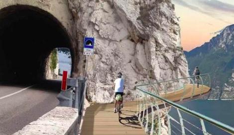 """Arriva """"Garda by bike"""": sarà in Italia la pista ciclabile più bella d'Europa"""