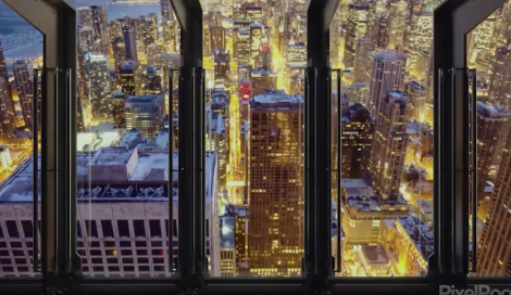 A Chicago c'è una nuova attrazione da brivido, a 300 metri d'altezza. Ci vuole coraggio, ma la vista garantita!
