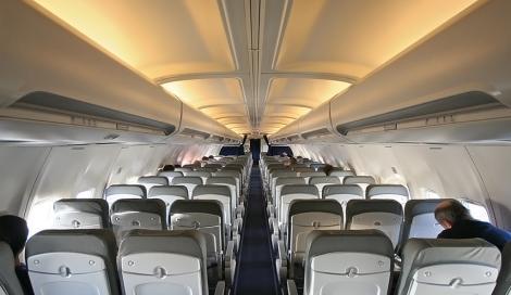 Addio trolley a bordo: Ryanair cambia le regole sui bagagli