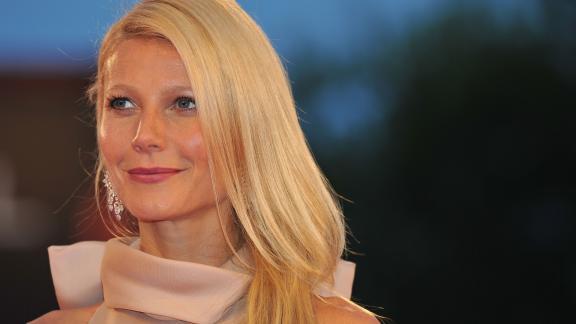 Gwyneth Paltrow fa gli auguri alla (bellissima) figlia Apple
