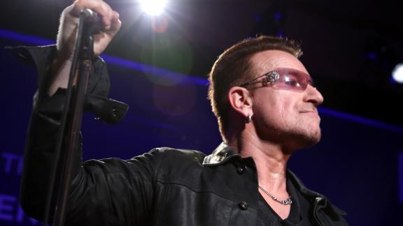 U2, Bono canta un inedito per l'Italia colpita dal Covid-19