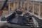 Arte mozzafiato:  a Venezia si monta una grande opera di Damien Hirst. l'incredibile video in time lapse
