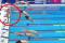 Neanche un minuto di silenzio per Barcellona? Il nuotatore non si tuffa e lo osserva da solo