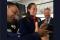 Matrimonio tra le nuvole: il Papa celebra in volo le nozze tra un'hostess e uno steward