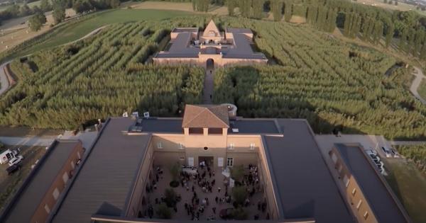 Il labirinto della Masone:  tutto l'incanto del più grande labirinto verde del mondo