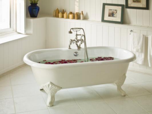 I migliori trucchi per pulire casa perfettamente foto 1 - Pulire vasca da bagno ...