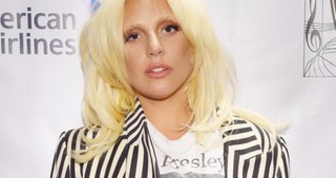 Lady Gaga si scaglia contro successo e soldi