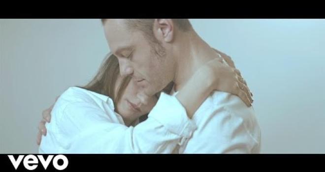 """Tiziano Ferro e Carmen Consoli: guarda il video di """"Conforto"""""""
