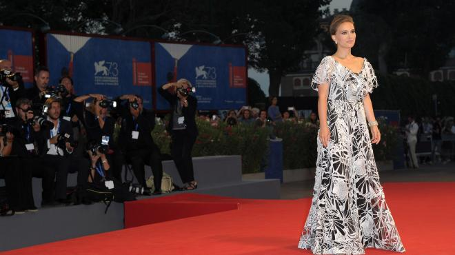 Un'incantevole Natalie Portman conquista il red carpet