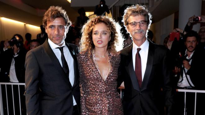 Valeria Golino e Adriano Giannini sul red carpet della Mostra