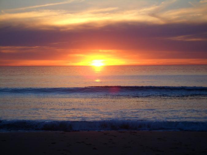 Risultati immagini per sole sorge mare png