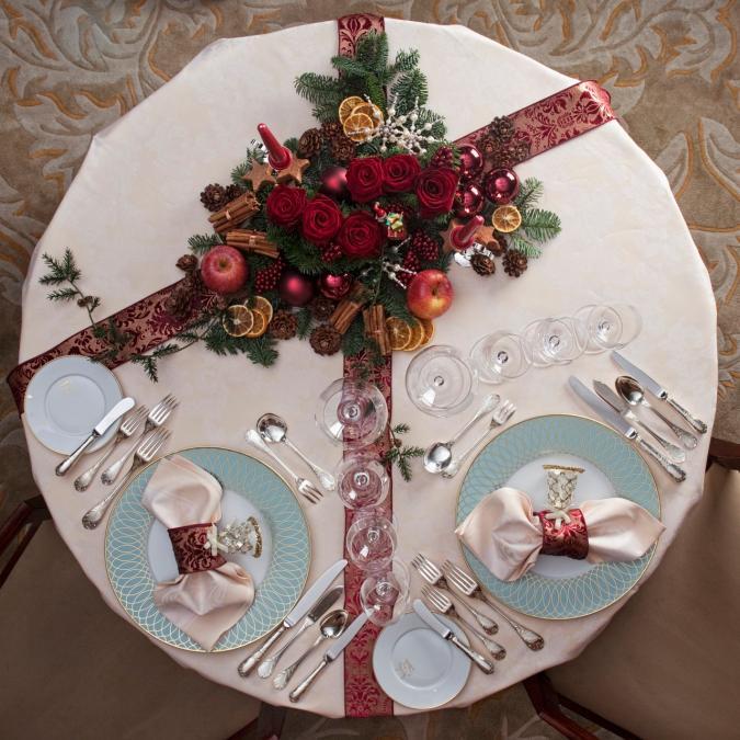 Molto Sei idee last minute per un elegante centro tavola natalizio  HR93