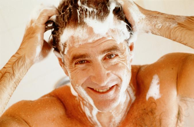 Famoso Uno shampoo fai da te per la ricrescita dei capelli.. al costo di  IS41