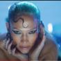 Jennifer Lopez con le ali e la tiara firma il video più bello del 2021